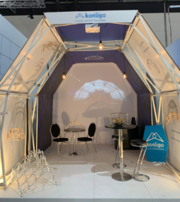 Arko exhibition stand with seating and projection